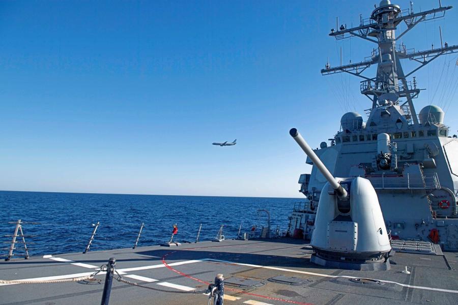 アメリカ駆逐艦ドナルド・クック 黒海でNATO航空部隊と共同訓練