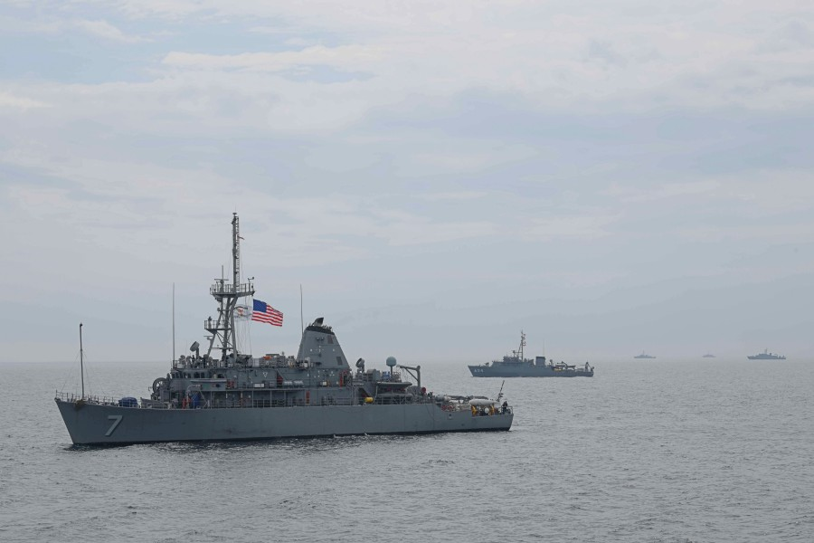 宮崎県沖で日米共同機雷戦・掃海特別訓練始まる