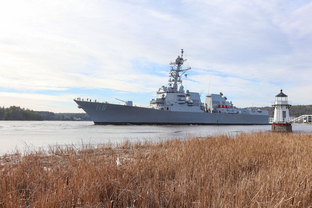 アメリカ海軍の新駆逐艦イノウエ 海上公試を開始