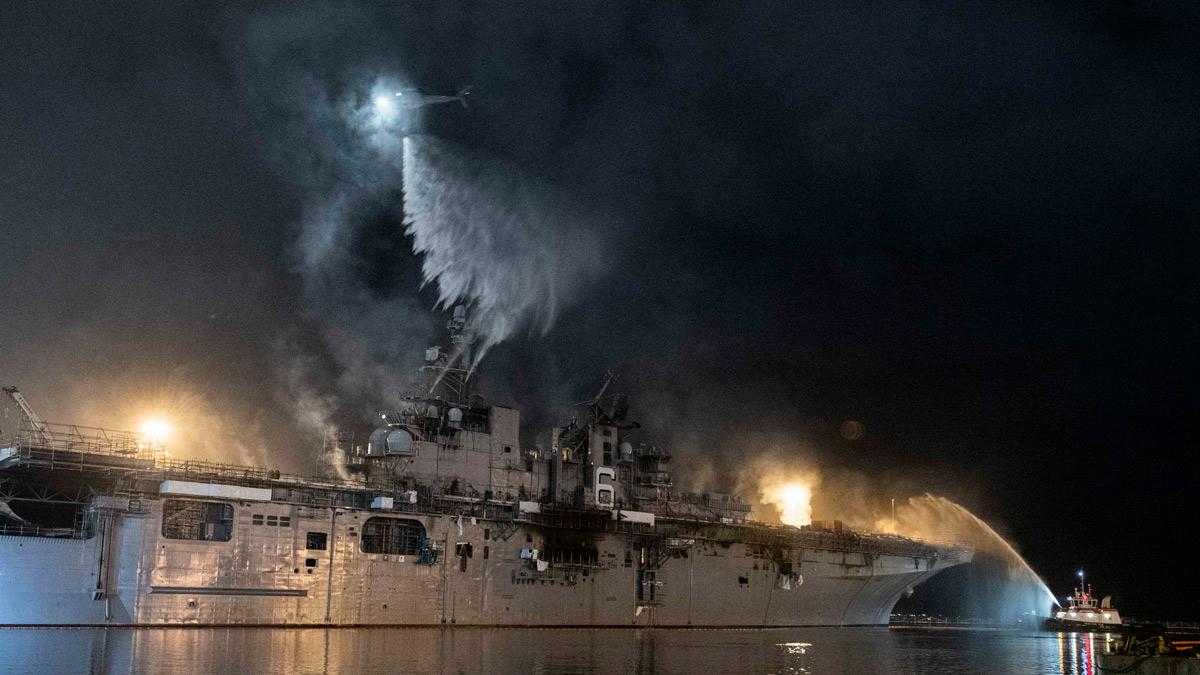 アメリカ強襲揚陸艦ボノム・リシャール 大火災からの修復を断念し退役・解体へ