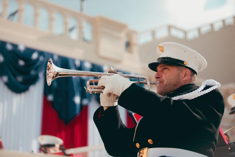 バイデン大統領就任式で演奏するトランペット奏者(Image:USMC)