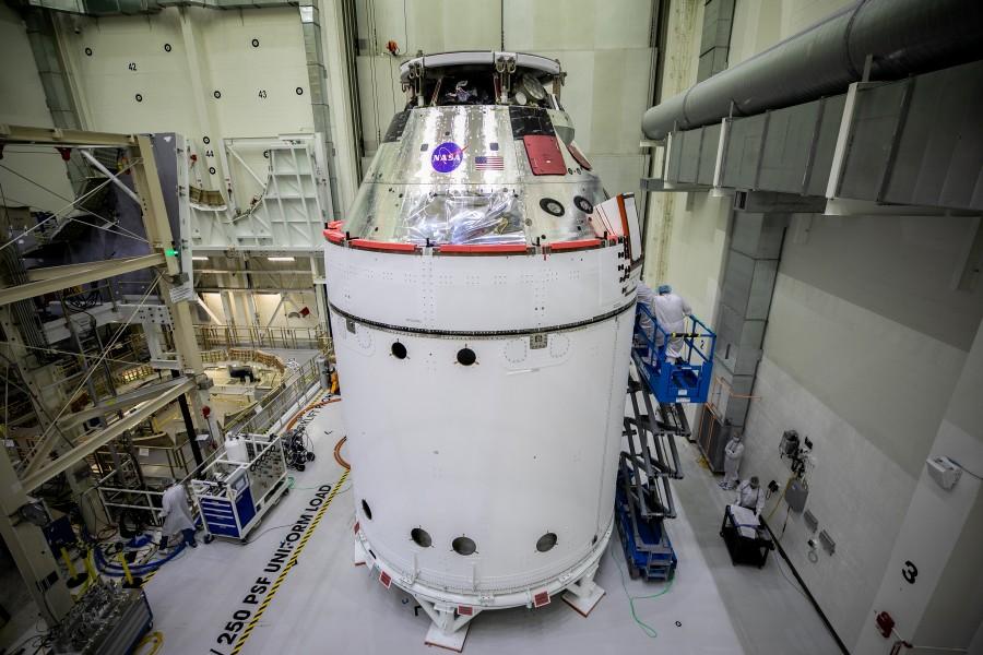 フェアリングが装着されたオリオン宇宙船(Image:NASA)