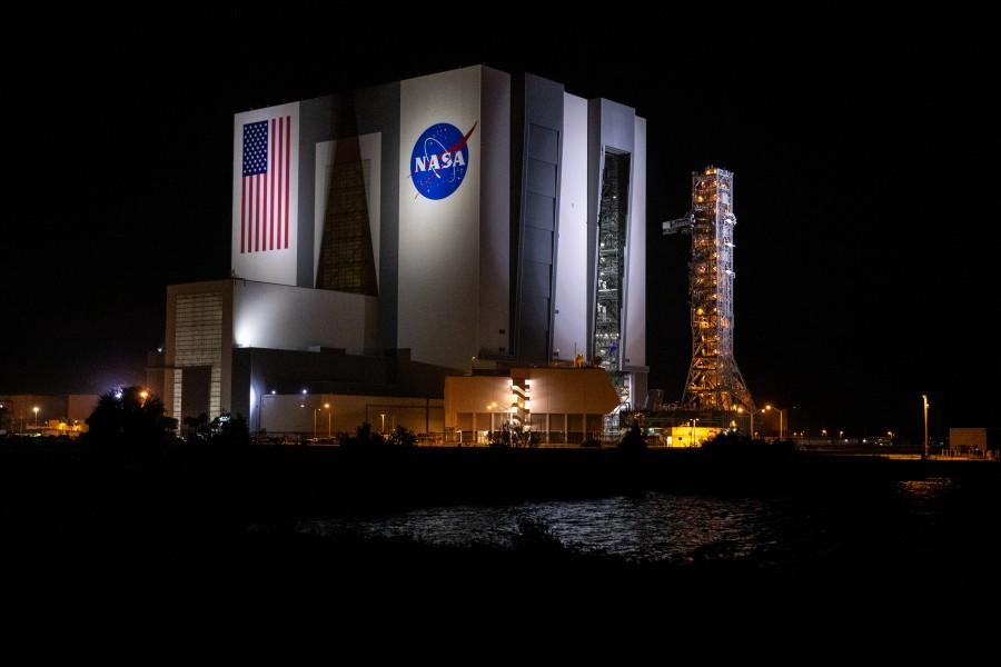 移動式発射台の動作試験(Image:NASA)