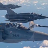 イギリス空中給油機 ジブチ派遣のフランス戦闘機に空中給油を実施