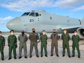 「シードラゴン2021」に参加した海上自衛隊第1航空隊のP-1クルー(Image:U.S.Navy)