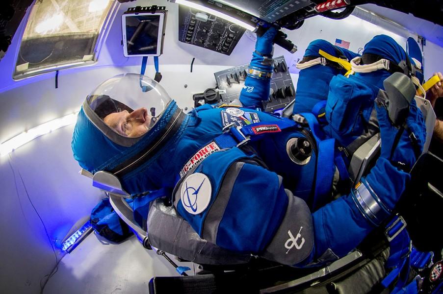 スターライナーの訓練を受ける宇宙飛行士(Image:Boeing)