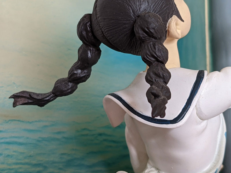 破損ポイント:海の両お下げ髪