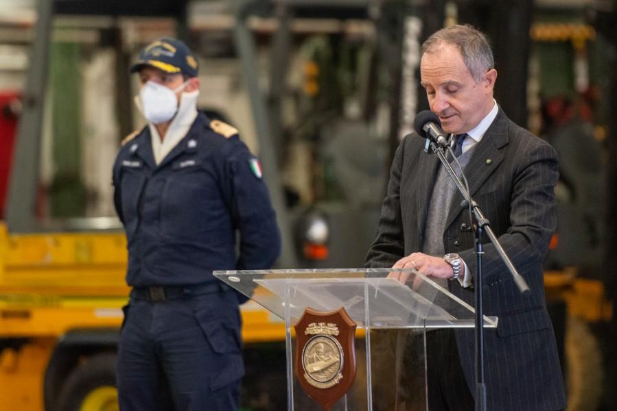 入港式典であいさつするバリッキオ駐米イタリア大使(Image:イタリア海軍)