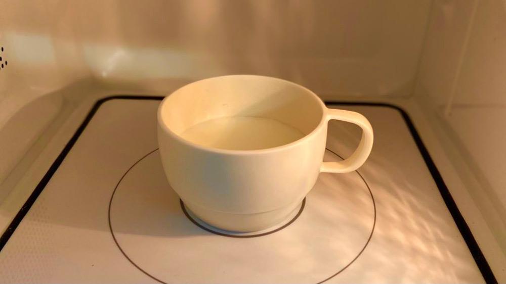 ミルク200mlを温める(麦ライスさん提供)