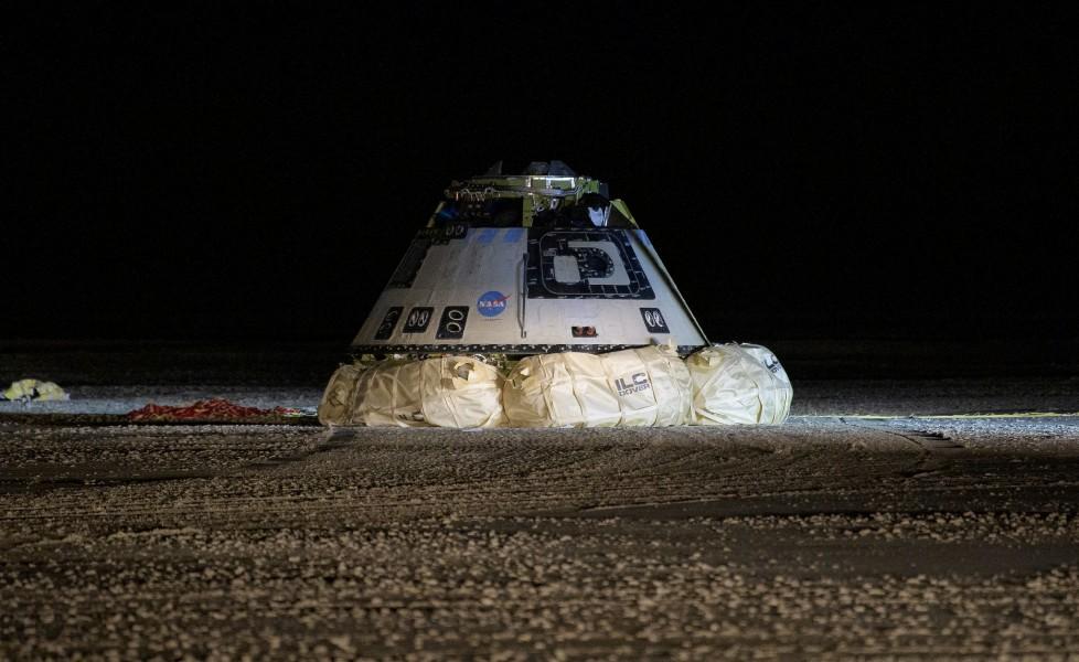 ホワイトサンズに帰還したスターライナー(Image:NASA)