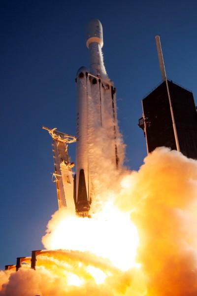 ファルコン・ヘヴィの打ち上げ(Image:SpaceX)