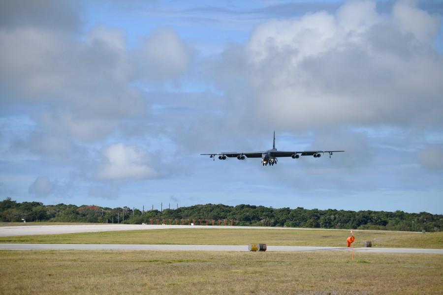 グアム島アンダーセン空軍基地に着陸すr第96爆撃飛行隊のB-52H(Image:USAF)