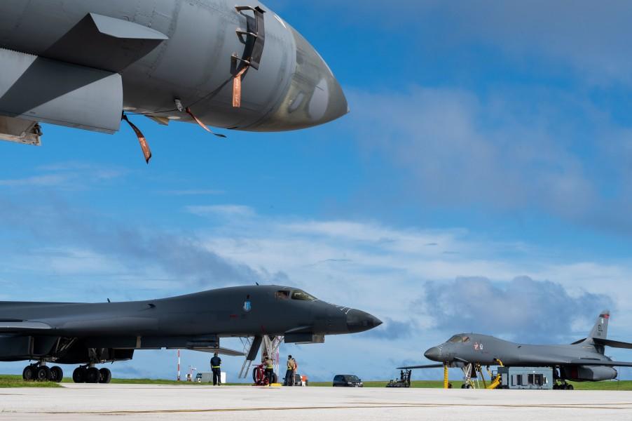 グアム島アンダーセン空軍基地に展開したB-1B(Image:USAF)