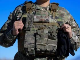 アメリカ空軍が導入した女性用ボディアーマー(Image:USAF)