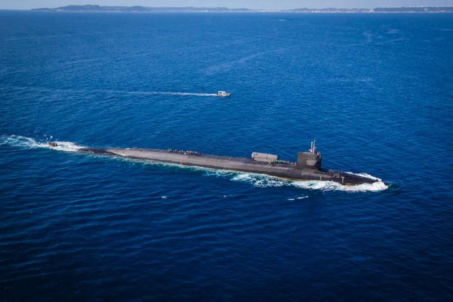 巡航ミサイル原潜オハイオ(Image:USMC)