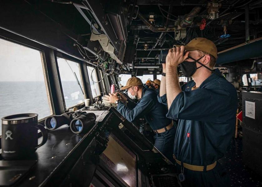 駆逐艦ジョン・S・マケインの艦橋(Image:U.S.Navy)