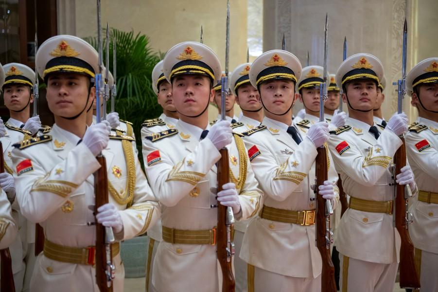 中国人民解放軍の儀じょう隊(Image:U.S.Navy)