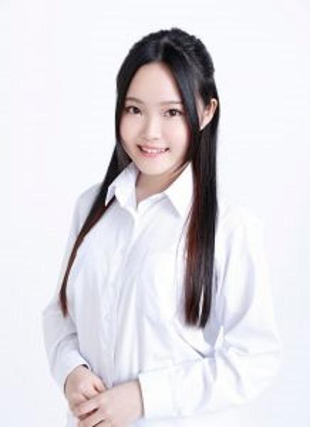 井上あずみさんのご息女であり、自身も歌手として活躍するゆーゆさん