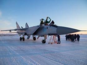 北極圏に試験配備されたMiG-31BM(Image:ロシア国防省)