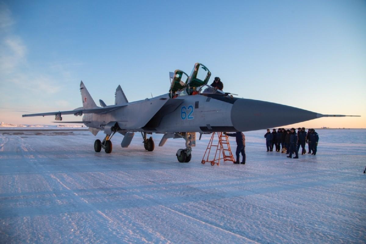 めちゃ寒い!ロシア北極圏防空のMiG-31試験派遣部隊が第2陣と交代