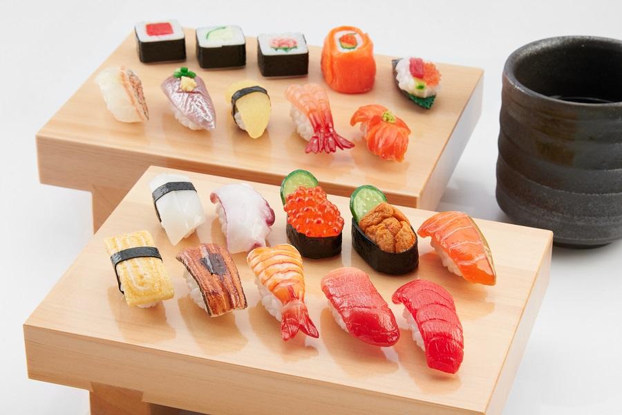 国内外で注目を集める「食品サンプル」などの日本の伝統工芸品に工夫を加え、おみやげとして喜んでもらえるような商品開発を行っている株式会社北村サンプル。