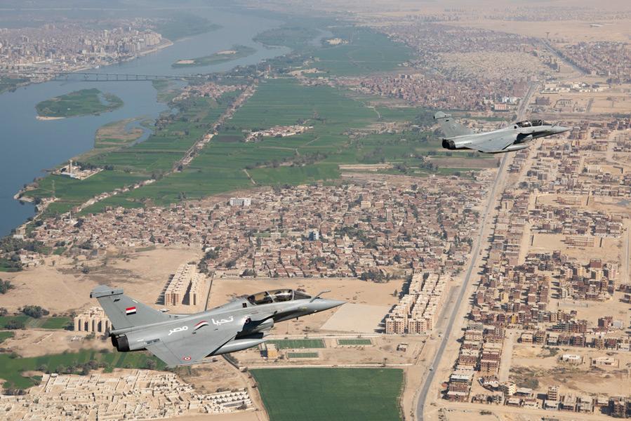 エジプト(左)とフランス(右)のラファール(Image:EMA)