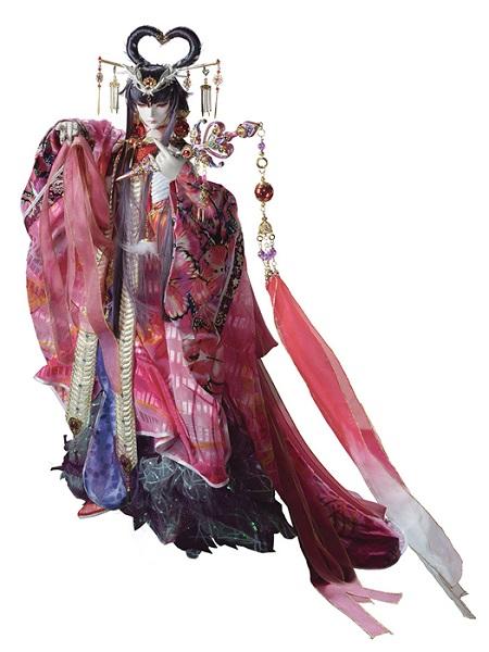 謎多き美女として登場する照君臨(ショウクンリン)のキャラクターデザインはなまにくATK(ニトロプラス)が担当。