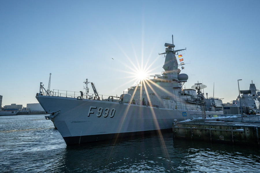 デン・ヘルダーを出港するレオポルド1世(Image:ベルギー海軍)