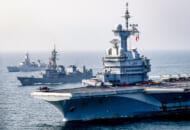 フランス空母シャルル・ド・ゴールと共同訓練する護衛艦ありあけ(Image:フランス海軍)