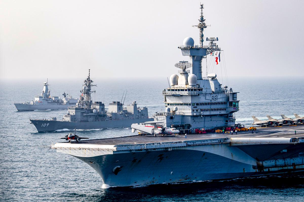 海上自衛隊護衛艦ありあけ アデン湾でフランス空母らと多国間共同訓練