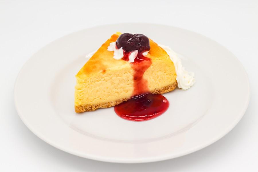 ヨコスカチェリーチーズケーキ(税込858円)