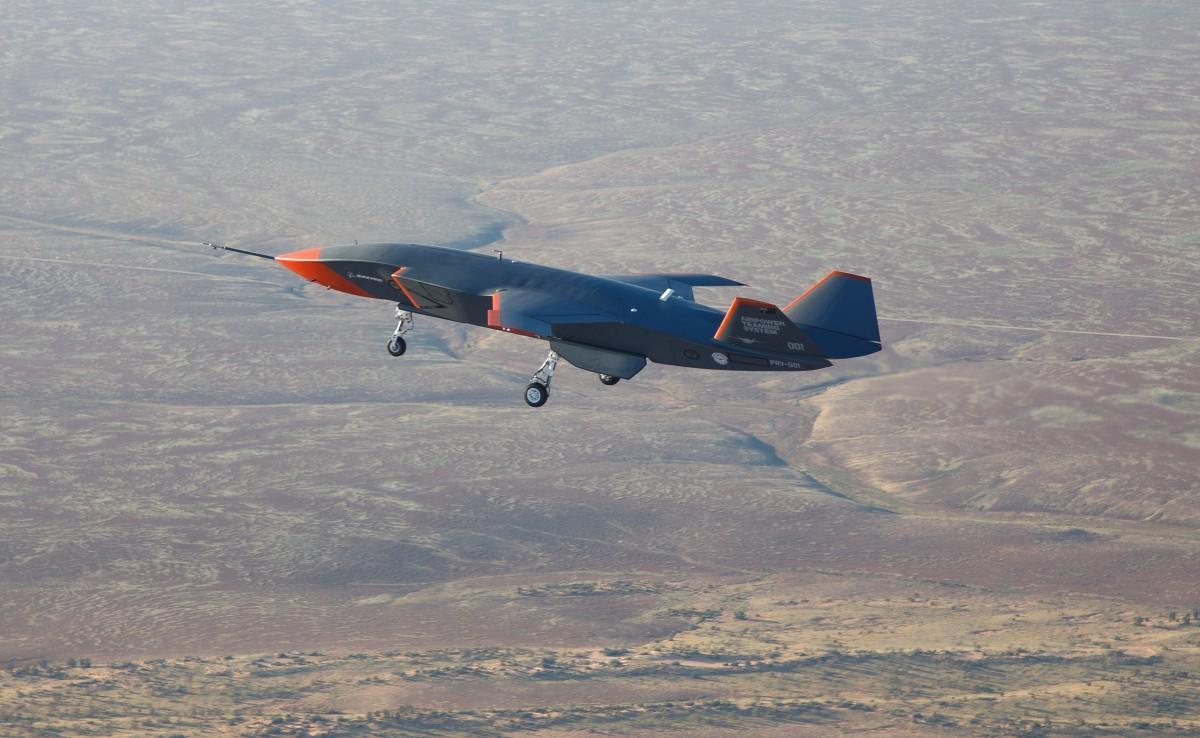 初飛行した「ロイヤル・ウィングマン」試作1号機(Image:Commonwealth of Australia)