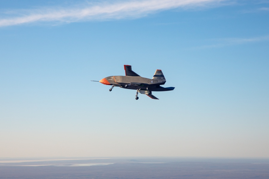 初飛行での「ロイヤル・ウィングマン」試作1号機(Image:Commonwealth of Australia)