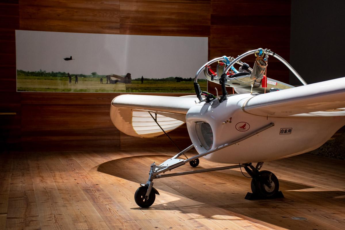 幻のロケット戦闘機と現代を繋ぐ美術展 八谷和彦「秋水とM-02J」