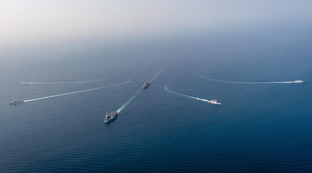 散開する艦隊(Image:U.S.Navy)