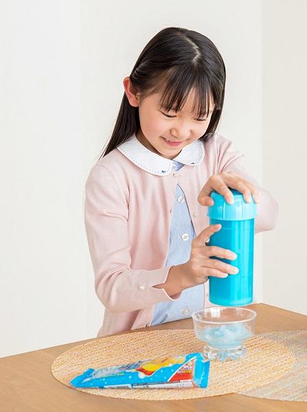 ガリガリ君用カキ氷製造機 「おかしなカキ氷 ガリガリ君」が復刻