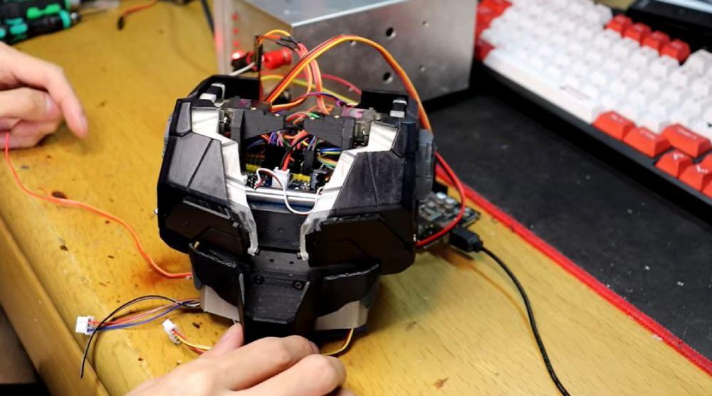 センサーを発動すると「パカパカ」開くシステムとなっています。