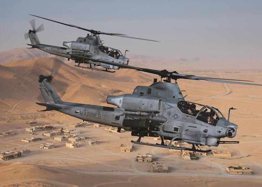 中東の砂漠地帯を飛ぶAH-1Z(Image:Bell)