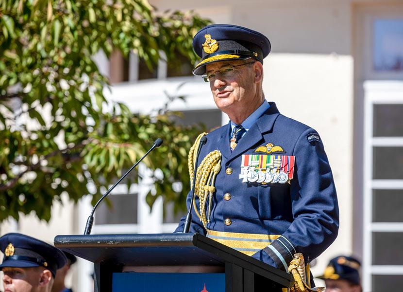軍旗授与式典でのハップフェルド空軍参謀総長(Image:Commonwealth of Australia)