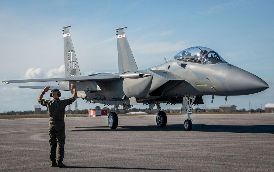 エグリン空軍基地に到着したF-15EXイーグルII(Image:USAF)
