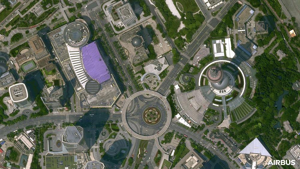 プレアデス・ネオ3号機が撮影した東方明珠電視塔と上海金融中心(Image:Airbus)
