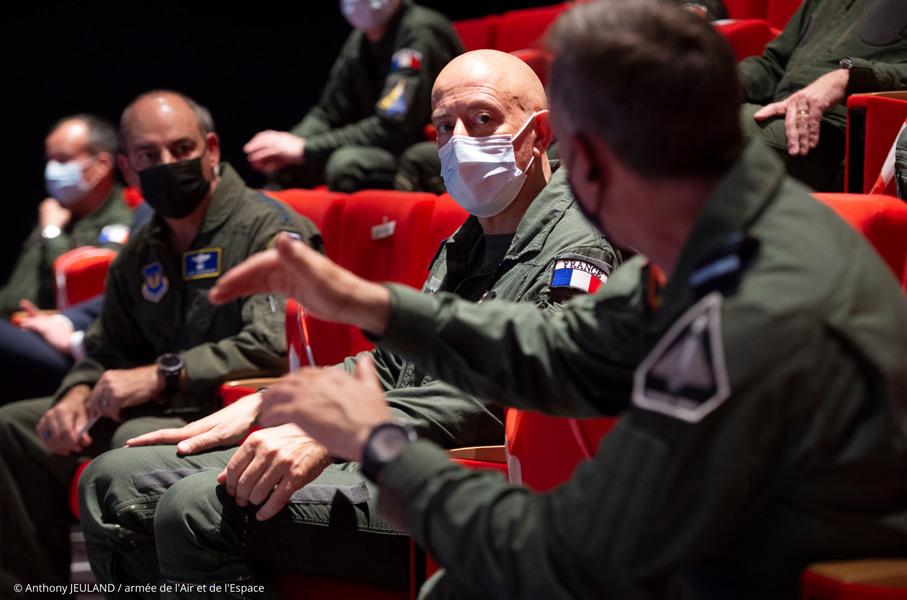 交流を深める仏英米の司令官(Image:フランス航空宇宙軍)