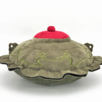 伝説の茶釜「平蜘蛛」ぬいぐるみが500個限定で再販 初回は1…