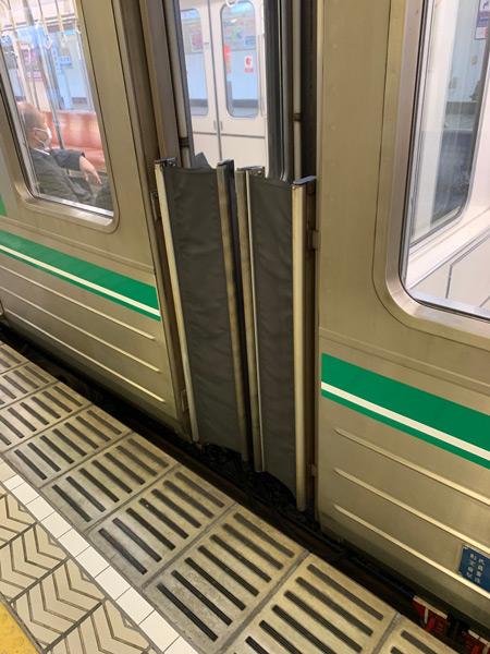 電車の連結部はドアと誤認しやすい(画像撮影協力:オオツキwayタイジさん)
