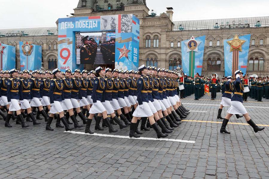 女性兵士の行進(Image:ロシア国防省)