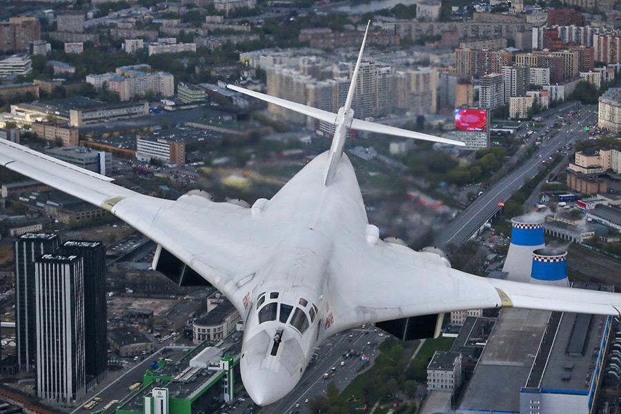Tu-160(Image:ロシア国防省)