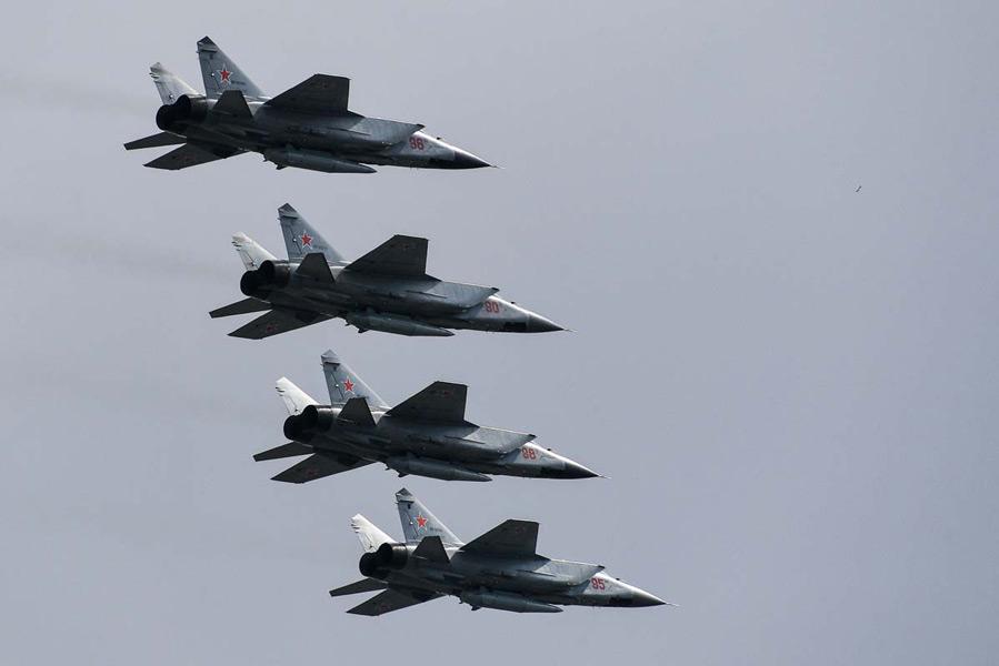MiG-31BMの編隊(Image:ロシア国防省)