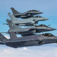 ラファール・F-35・ユーロファイターが集合 フランスで仏英…