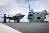 空母プリンス・オブ・ウェールズに初着艦した第207飛行隊のF-35B(Image:Crown Copyright)