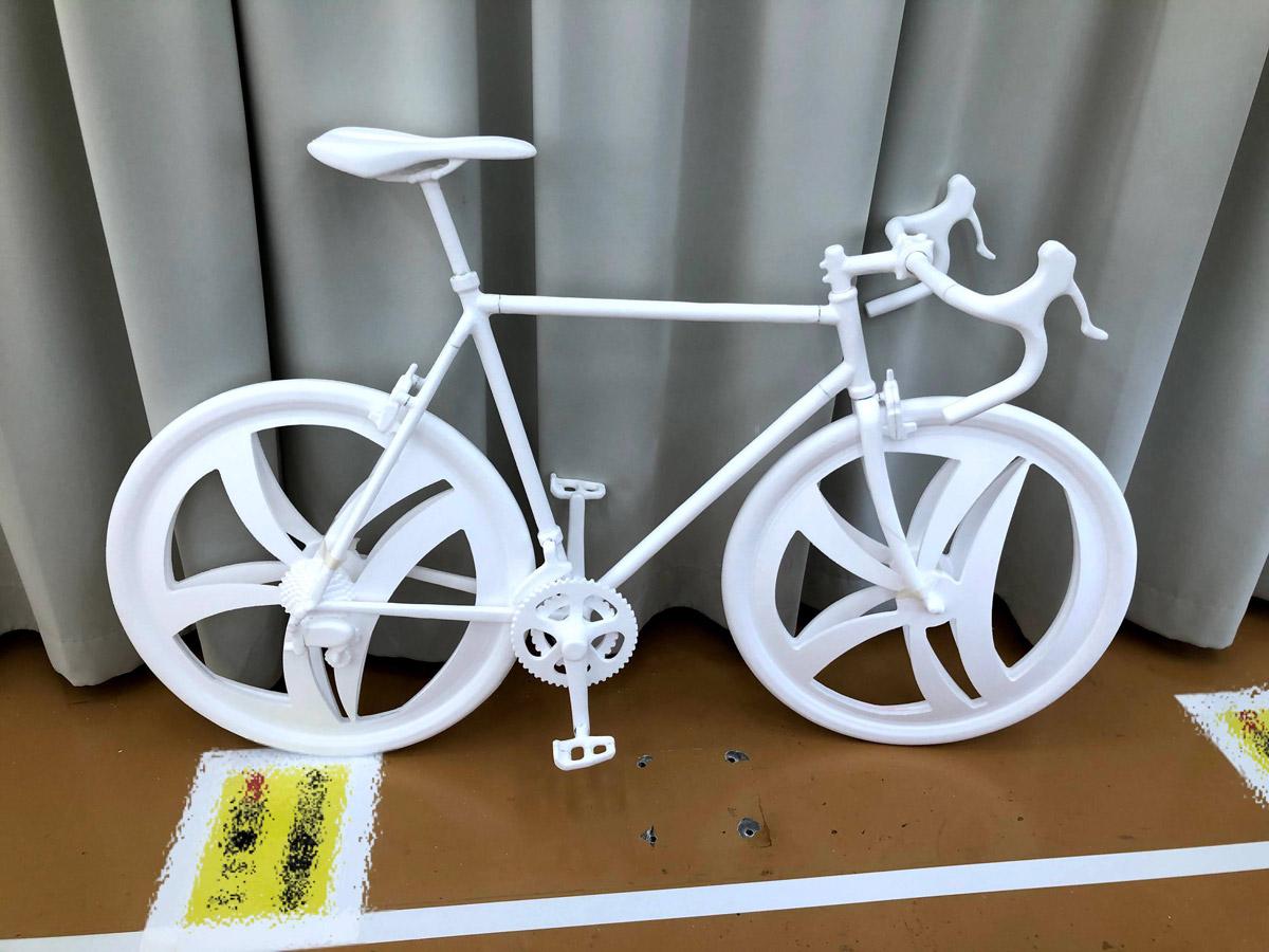 1kg未満と超軽量!発泡スチロールで作られた自転車の造形がすごいの一言